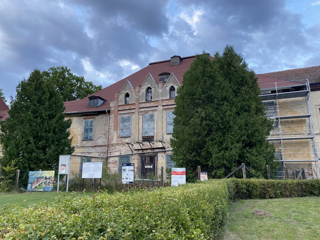 Schloss Steinort (Sztynort) in Masuren, hier auf einer Aufnahmen vom Sommer 2019, war der Stammsitz der Grafen von Lehndorff. Foto: G. Huch, Berlin